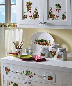 strawberry decorations for kitchen – Bing Images … – Kitchen Cupboard Strawberry Kitchen, Strawberry Farm, Strawberry Patch, Strawberry Shortcake, Strawberry Ideas, Red Kitchen, Kitchen Cupboards, Home Decor Kitchen, Vintage Kitchen