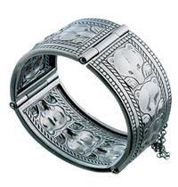 Amethyst And Silver Bracelet Referral: 8136660982 Jewelery, Jewelry Necklaces, Sterling Silver Name Necklace, Silver Jewelry Cleaner, Jewelry Design, Unique Jewelry, Bangle Bracelets, Modern, Amethyst