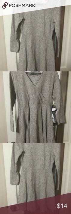 Lou & Grey beautiful peplum dress Sz XS Lou & Grey beautiful peplum dress Sz XS  LiKe New! Cute and comfy Lou & Grey Dresses