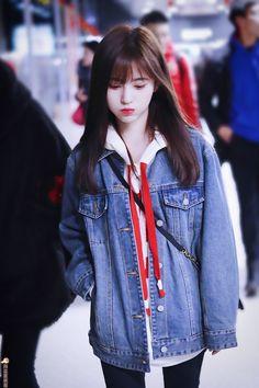Srr các Cúc Kỵ =)) mình đăng muộn quá huhu, cơ mà sẽ có phúc lợi đầy đủ k thiếu ảnh nào nhaaa =)) Bảo bảo oppa xinh ghê hí hí #toto_giang Ulzzang Korean Girl, Cute Korean Girl, Cute Asian Girls, Cute Girls, Beautiful Chinese Girl, Beautiful Girl Image, Cute Girl Photo, Cool Girl, Airport Fashion Kpop