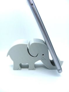 Printed Elephant mobile phone - iPhone stand - cellphone stand - mobile desk tidy - display - smartphone desk decor - gift for her Printed Elephant mobile phone, cellphone stand, mobile desk tid Iphone Holder, Iphone Stand, Cell Phone Stand, Smartphone Holder, Mobile Phone Shops, Mobile Phone Repair, Iphone Mobile, Mobile Phones, 3d Zeichenstift