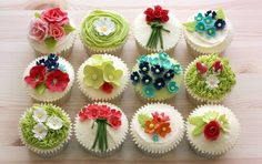 Spring floral cupcakes