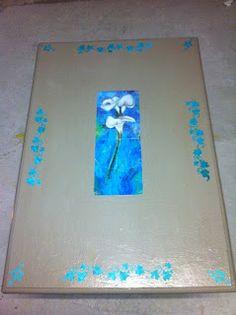 Nuova vita a questa semplice tavola trovata in cantina trasformandola in un tavolino da soggiorno ...... Semplicemente Chic!!!! Tecniche decorative utilizzate: decoupage e stencil Colori utilizzati: fondo bianco, vernice all'acqua juta, stencil con mix di turchese, verde smeraldo, verde acqua e bianco. Infinite Passioni Creative: Paint your ..... table!!
