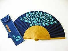 "Spanish hand fan painted with matching sheath ""Party"" Antique Fans, Vintage Fans, Hand Held Fan, Hand Fans, Chinese Fans, Classic Paintings, Paper Fans, My Favorite Color, Body Painting"