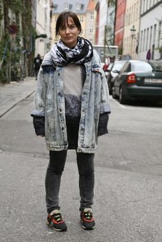long, baggy acid-washed denim jacket, rolled up sleeves + black/white scarf + slouchy, thick grey and beige sweater