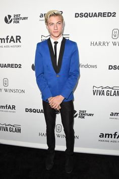 Model Lucky Blue Smith Attends amfAR's Inspiration Gala Los Angeles at Milk Studios on October 29, 2015 in Hollywood, California. ❤