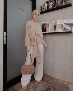 New dress modest casual lace 45 Ideas Modest Dresses, Modest Outfits, Simple Outfits, Muslim Fashion, Modest Fashion, Fashion Outfits, Casual Hijab Outfit, Hijab Chic, Latest Fashion For Women