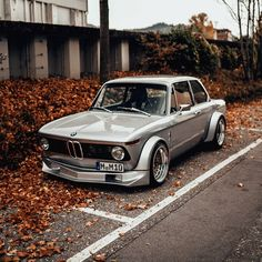 BMW 2002 Build with an engine swap. Custom Porsche, Porsche Cars, Bmw Cars, Jeep Cars, Bmw E30, 135i Coupe, Models Men, Royce Car, Classic Cars