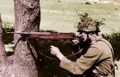 Hungarian soldier with Danuvia machine gun (Király géppisztoly). My colored picture. Ww2 Pictures, Ww2 Photos, German Uniforms, Military Uniforms, Submachine Gun, War Dogs, Military Photos, Military History, Military Diorama