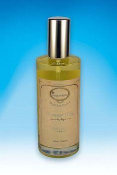 Mgiełka zapachowa do ciała. Business Men. 100 ml Odświeżający spray do ciała wzbogacony o kompozycję niezbędnych dla zdrowia minerałów z Morza Martwego. Delikatnie perfumuje i nawilża skórę, pozostawiając ją miękką i zmysłowo pachnącą przez cały dzień.