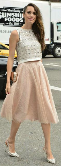 Lift+that+Look:+Louise+Roe+in+Tulle+Skirt+&+Embellished+Crop+Top+Louise+Roe+is+as+stylish+as+she+is+absolutely+stunning!+And+she+does+not+detract+from+either+in+this+beautiful+tulle+skirt+and+embellished+crop+top+ensemble.+She…