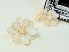 American Flower ☆ Flower Ring White