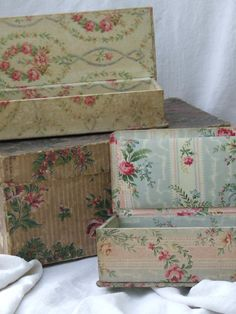 These are gorgeous fabric covered boxes for French haberdashery! Fabric Covered Boxes, Fabric Boxes, Old Boxes, Antique Boxes, Vintage Tins, Vintage Shabby Chic, Shabby Boxes, Fabric Crafts, Diy Crafts