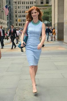 """Suits' Sarah Rafferty Shares Her Favorite Pilates Move : The """"Suits"""" star is all business when it comes to her workout routine. Mom Outfits, Office Outfits, Donna Suits, Suits Tv Series, Sarah Gray, Sarah Rafferty, Suits Show, High Class Fashion, Elegantes Outfit"""