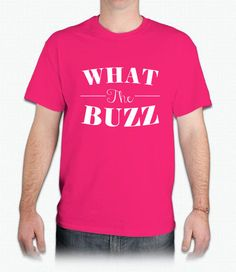 WHAT THE BUZZ Graphic Tee in Pink/White
