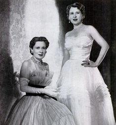 Morgan twins 1955 * Gloria Morgan Vanderbilt (left) with her identical twin, Thelma, Viscountess Furness, in 1955.