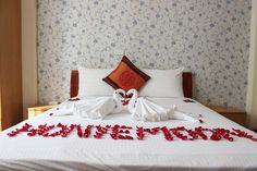 http://madammoonguesthouse.com/madam-moon-guesthouse/room-rates / double room -01