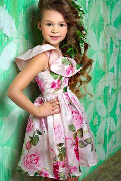 Stilnyashka Ruffles & Roses Dress