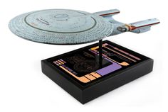 Star Trek Replica 1/1000 USS Enterprise NCC-1701-D Uss Enterprise Ncc 1701, Star Trek Collectibles, Stars, Sterne, Star