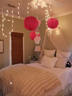 Delightful Love The Ideas Of Hanging Paper Lanterns And Lights.