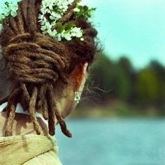 wedding hairstyles with female dreadlocks