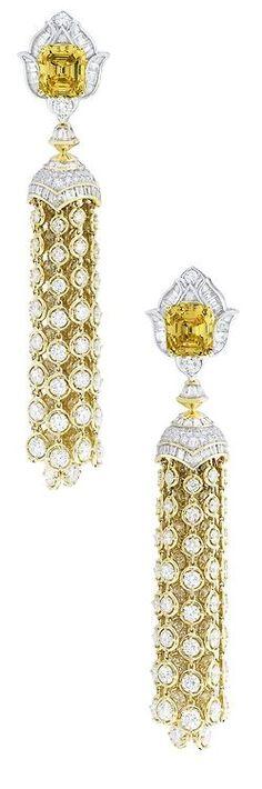 Van Cleef & Arpels Precious Light Earrings with Baguette cut Diamonds…
