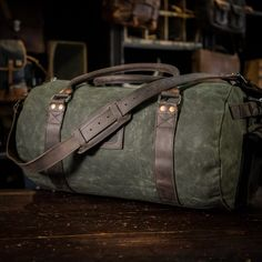 Elkton Large Duffle Travel Bag - Green Waxed Canvas and Dark Walnut Leather