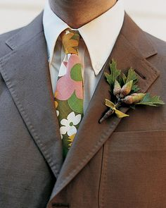 Handcrafted, outdoor setting inspires boutonniere of oak leaves and acorns. So pretty! Maybe not the tie but the boutonniere definitely! Green Wedding, Fall Wedding, Wedding Flowers, Burgundy Wedding, Wedding Fun, Woodland Wedding, Wedding Beauty, Wedding Wishes, Wedding Colors
