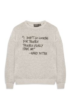 Harry Potter x Primark: the 10 best jumpers, t-shirts and loungewear from the collection Harry Potter Jumper, Harry Potter Items, Harry Potter Shirts, Harry Potter Style, Harry Potter Outfits, Harry Potter Universal, Harry Potter Clothing, Harry Potter Fashion, Harry Potter Bedroom