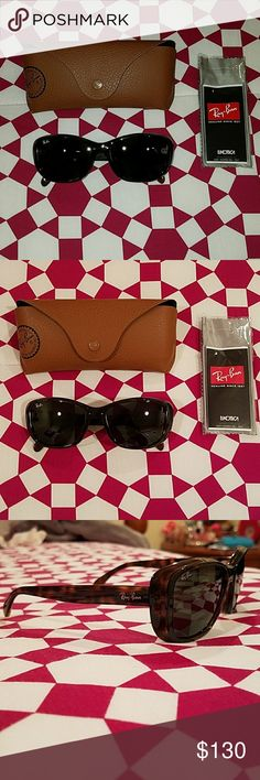12caa3b7ab4a8 Ray Ban Women s Sunglasses Brand New Sunglasses RB4174 Brown Frames  Includes case and wipe Ray-. Ray Ban Para MulheresTrajes FemininosÓculos De  Sol ...