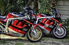 Suzuki Motorcycle, Racing Motorcycles, Gsxr 1100, Suzuki Gsx R 750, Retro Bikes, Custom Cafe Racer, Sportbikes, Cool Cafe, Pista