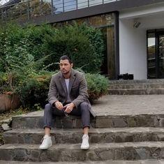 Petru Paun wearing the men's slim fit grey long business wool coat. Urban Fashion, Mens Fashion, Italian Fashion, Slim Man, Wool Coat, Layering, Hot Guys, Winter Fashion, Menswear