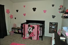 1000 images about minnie and mickey mouse on pinterest mickey minnie mouse minnie mouse and. Black Bedroom Furniture Sets. Home Design Ideas
