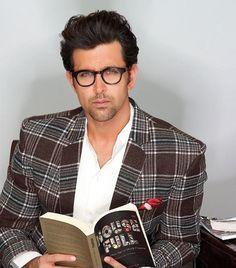Hrithik Roshan smart look