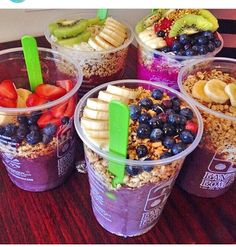 this looks so good.. for me in the morning when I go to school when I am kind of late or on the weekends also..  when I want to eat healthy then work out