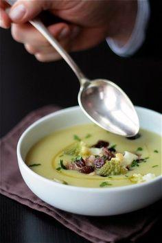 {Creamy romanesco soup.}