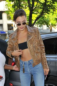Bella Hadid In Skinny Jeans Out In Paris
