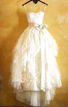 2015 A Line Wedding Dresses Vintage Strapless Appliques Lace Organza Ruffle Tea Length Beach Plus Size Bridal Gowns.