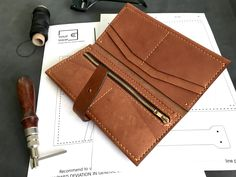 Leather Wallet Pattern, Leather Card Wallet, Stitching Leather, Clutch Wallet, Womens Leather Wallet, Leather Gifts, Zip Wallet, Leather Bag, Leather Pencil Case