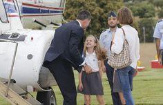 Imágenes inéditas: La alegría de la princesa Leonor y la infanta Sofía al recibir a su padre tras un viaje de trabajo