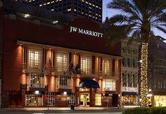 Nuestro JW Marriott New Orleans queda en la calla principal de Nueva Orleans. ¡Perfecto para caminar a tu hotel después de las fiestas en Bourbon Street!