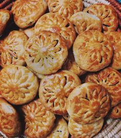 Kleichat Tamur | Iraqi Date Cookies