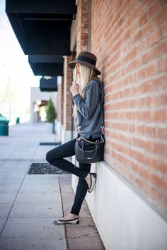 Casual Days | Barefoot Blonde