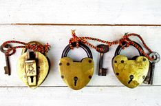 brass love locks #giftsforher #christmasgifts Gifts For Women, Gifts For Her, Unique Gifts, Best Gifts, Love Lock, Christmas Gifts, Christmas Ornaments, Vintage Bags, Leather Handbags