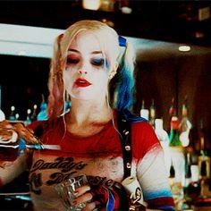 Quem está precisando de uma bebida aí ?! tumblr_o5llp4I6Ll1rgaid9o8_400.gif (300×300)