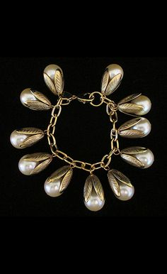 "1940's Pearl ""Pod"" Bracelet 