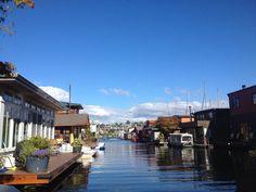 houseboat living seattle