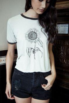 Brandy ♥ Melville | Nadine Sunflower Top - Graphics