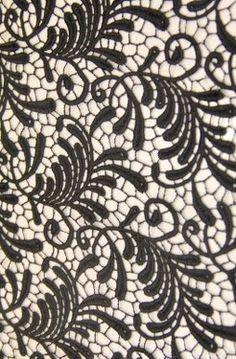 Dantel kumaş modelleri ve dantelli kumaş çeşitleri Kaptan International Textile kumaş mağazaları raf ve reyonlarında beğeninize sunulmaktadır. 4447578