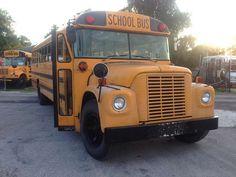 Old School Bus, School Buses, Retro Bus, Pretty Cars, Vintage School, Busses, Totally Awesome, Repurposing, Blue Bird